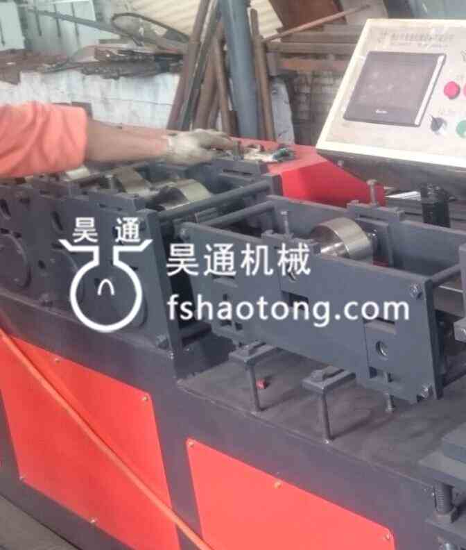 冷弯成型机组生产线