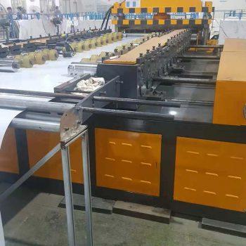 可调宽度的快装型彩钢墙板冷弯成型机