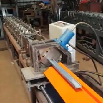 50副骨,50龙骨冷弯成型机生产视频